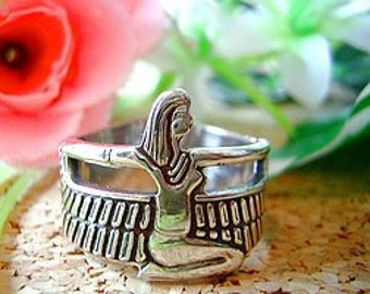SS-1728 New Egyptian Isis Goddess silver Ring egypt Jewelry Pick Your Ring Size We Have Sizes 3 to 14