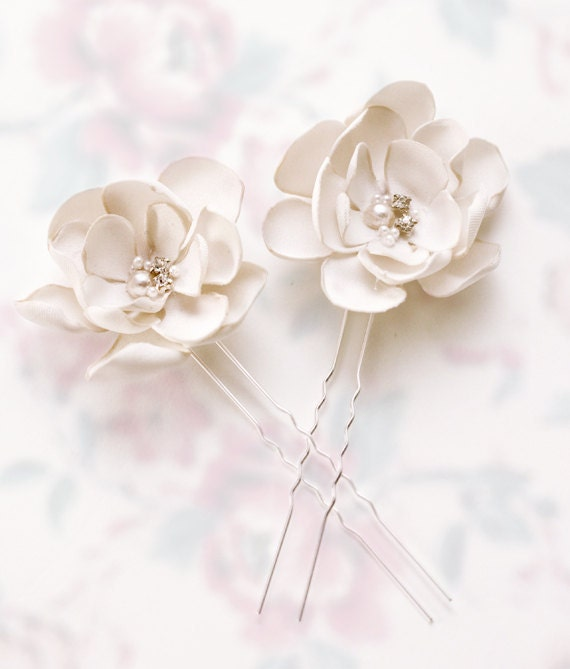 Small Beautiful Weddings: Beautiful Small Flowers Wedding Hair Accessories By
