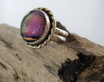 Sterling silver ring with dichroic glass setting