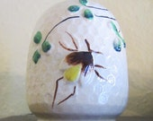 Vintage 1930's Ceramic Salt or Pepper Shaker Classic Shamrock Beehive with Bee Made in Japan
