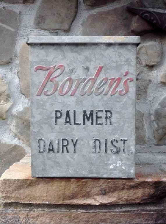 Vintage Advertising Borden Milk Box