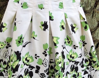 Cream and green apron with five beautiful box pleats