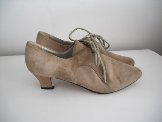 Vintage taupe granny boots victorian 8.5