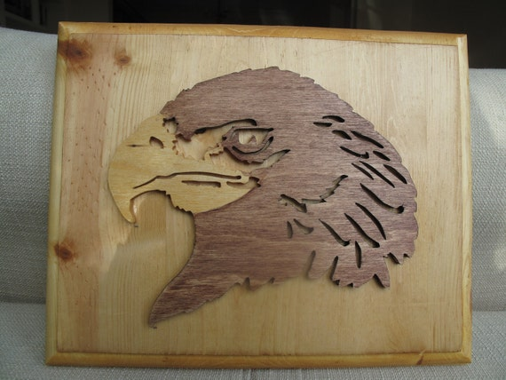 Wall mounted eagle plaque