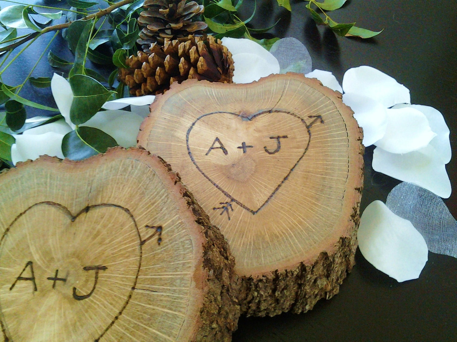 Treasury item tree slice with engraving by jtlcreations on for Large tree trunk slices