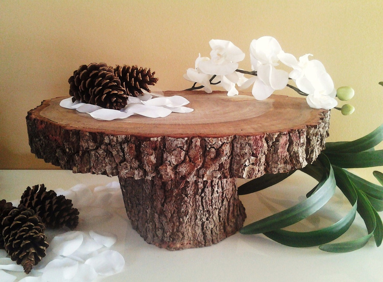 tree bark wedding cake stand treasury item 14 rustic wedding cake stand wood 21249