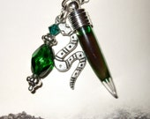 Vial Necklace, Glass Vial, Green Fang Pendant, Liquid Filled, Glass Tooth Bottle, Gothic Jewelry, Bottle Necklace, Snake Charm, Glass Fang