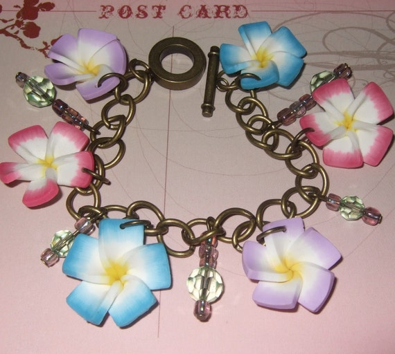 Charm Bracelet, Polymer Clay Flower and Beaded Bracelet in Pink Purple and Blue Flowers, Pretty Ladies Bracelet, Lightweight Charm Bracelet
