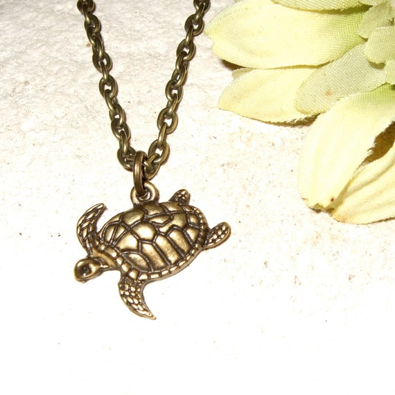 Turtle Necklace, Simple Charm Pendant, Bronze Turtle Charm, Little Turtle, Swimming Turtle, Simple Necklace, Everyday Jewelry, Small Turtle