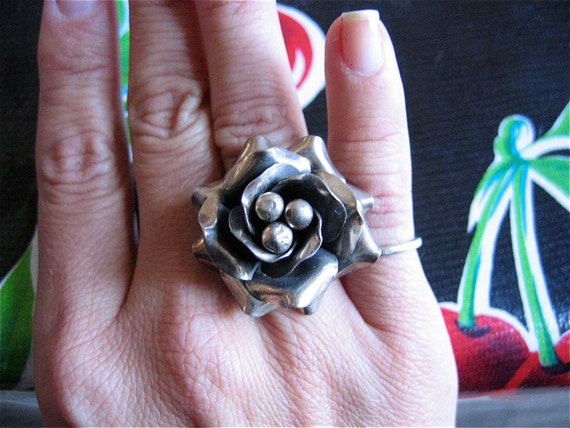 Stunning HUGE 925 Flower ring-  Made in Mexico