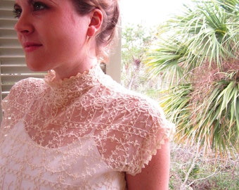 Detailed Elegant Vintage Lace Blouse  SMALL