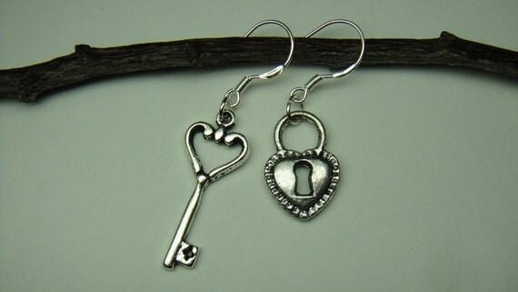 1017Silver-Love Lock&Key-Earrings