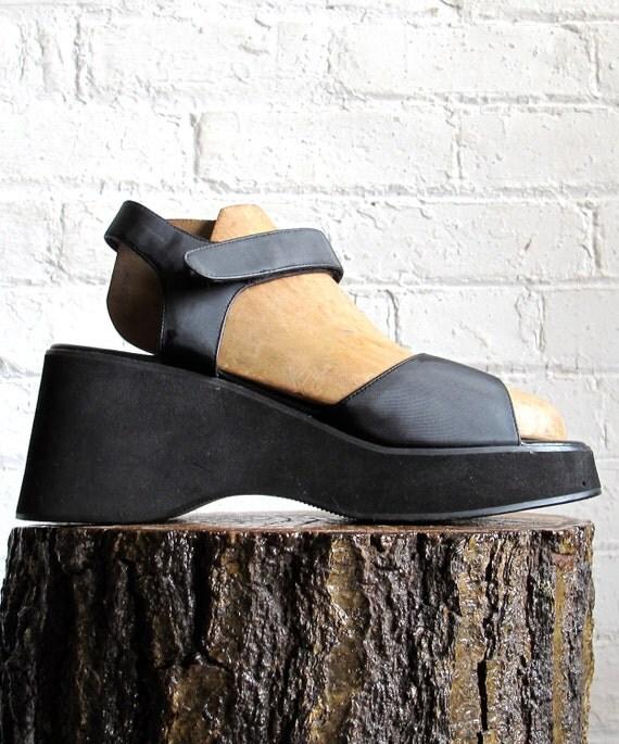 Vtg 90s Black Platform Wedge Sandals / Women's Size 8.5 US - 39 Eur - 6 UK
