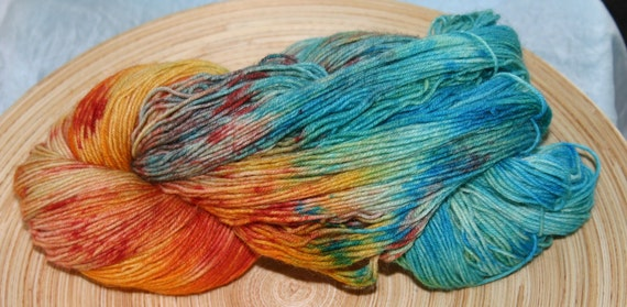 Tiptoe through the tulips - Hand-dyed sockyarn 420m/459yards