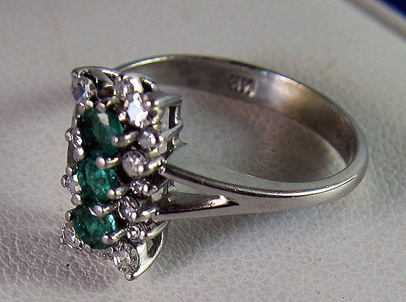 Vintage Estate 14k Emerald Diamond Cluster Dinner Ring