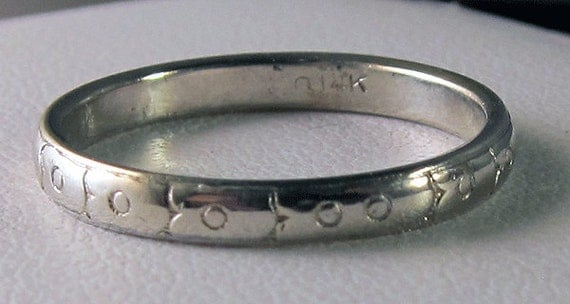 Beautiful 14k White Gold Antique Finely Engraved Band Size 7