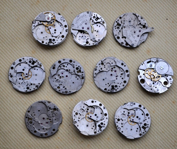 GOOD PRICE.Lot of 10 vintage watch movements.(017).