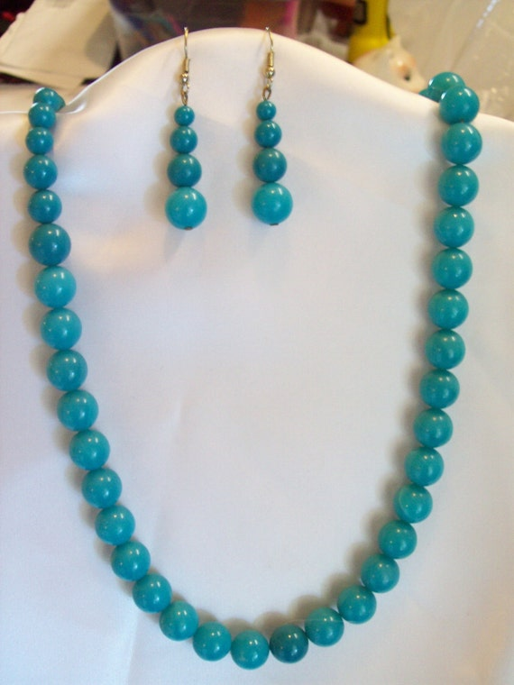 Vintage Turquoise Glass Bead Necklace and Earrings