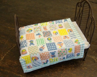 dollhouse Miniature quilt for single bed