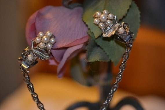 Pearl Flower Sweater Clips