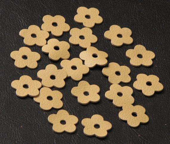 20 Leather Flower Jewelry Making Supplies Die Cuts, Champagne Yellow DIY applique embellishment Pet, Cat, Dog Collar Applique