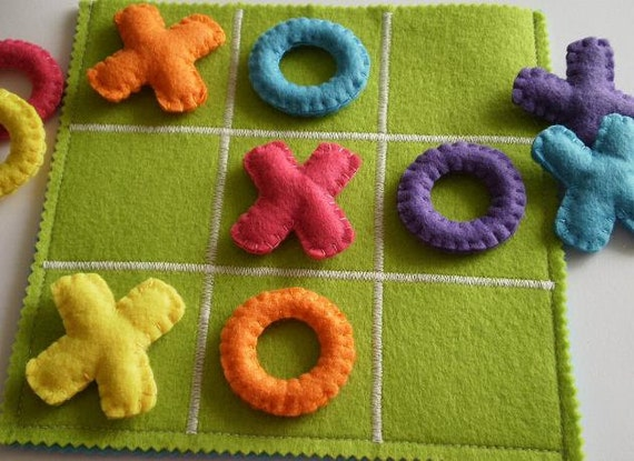 Kids Tic Tac Toe Game Set - Kids Birthday present - Kids felt toy