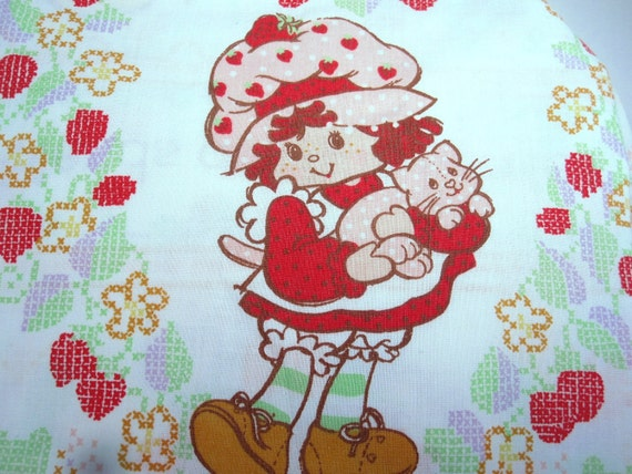 Vintage 1982 Strawberry Shortcake Sheet Set Friends Are the Berries