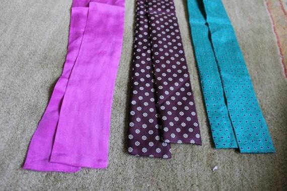3 Three Vintage 60s Sixties 70s Seventies Retro Flowers Pink Teal Bowties Headtie 1B