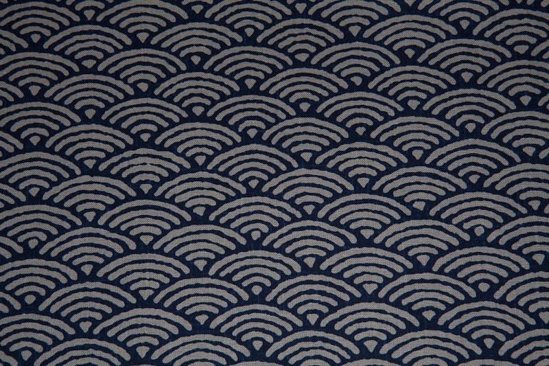 tissu japonais motif g om trique seigaiha ou vague. Black Bedroom Furniture Sets. Home Design Ideas