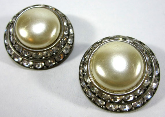 Vintage 1960s Silver And Faux Pearl Clip On Earrings