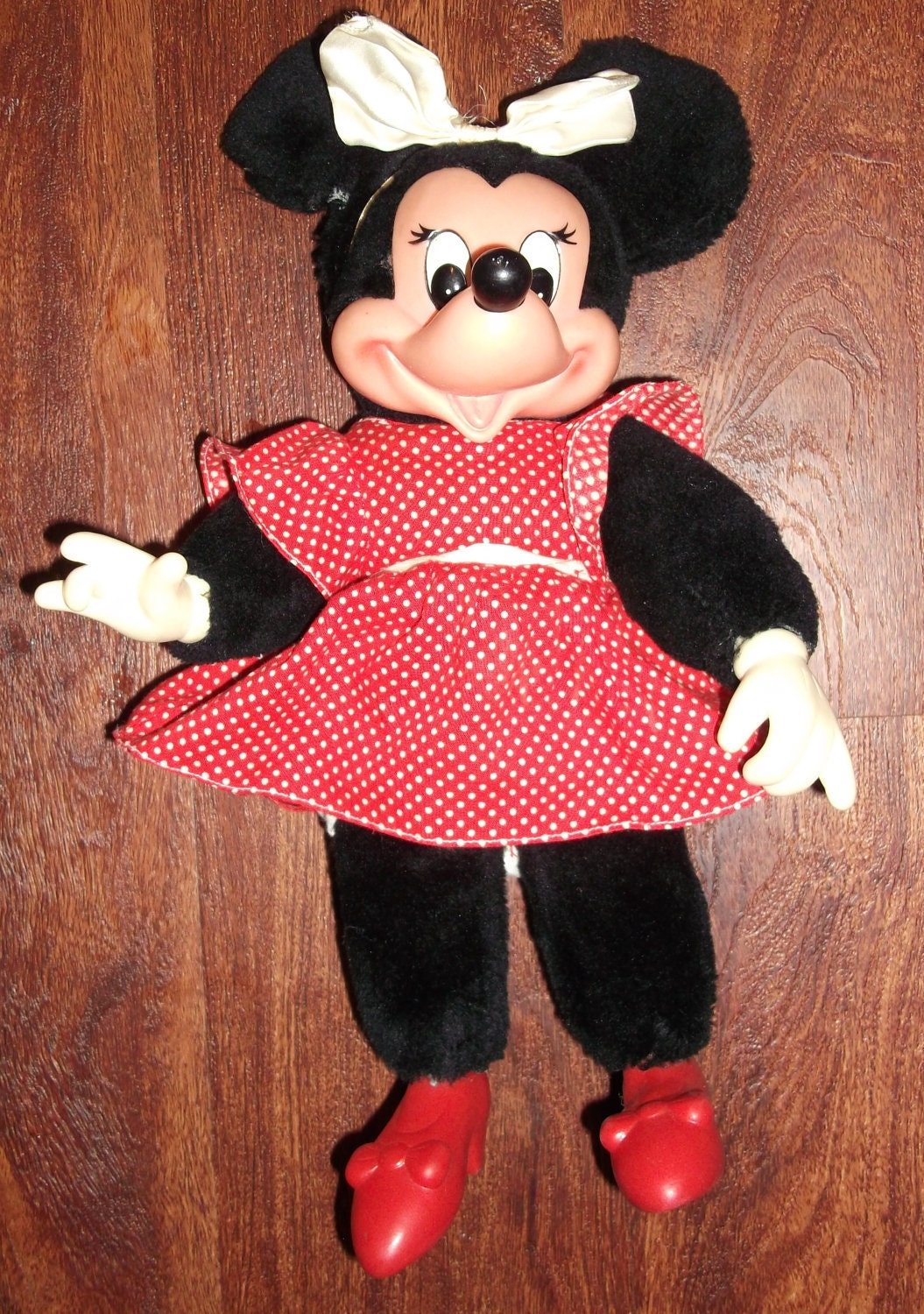 Vintage 10 Minnie Mouse 1981 Plush Doll With Red Shoes