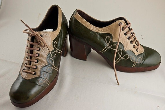 Vintage Women's Oxford Shoes - Circa 1970's - Size 7-8 Made in Italy