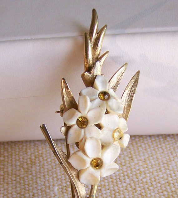 Vintage Boucher brooch ivory flowers amber rhinestones signed