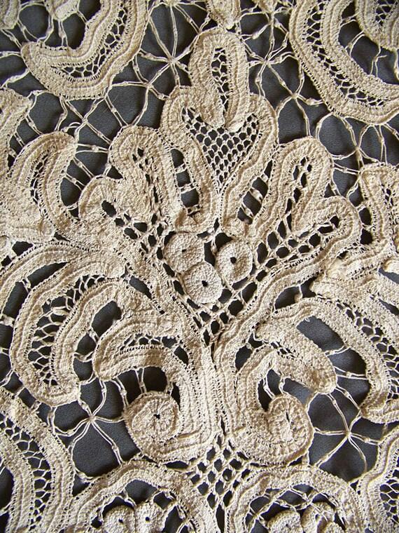 Antique lace panel Battenberg tape lace ecru dresser scarf shawl hand made lace
