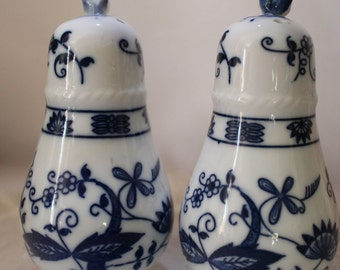 Vienna Woods Fine China Salt and Pepper Shakers