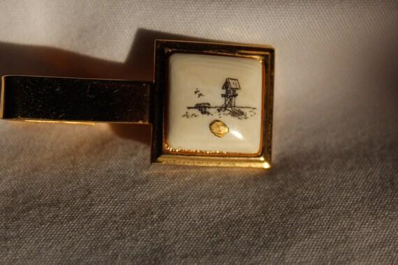 Vintage Tie Clip Orient theme