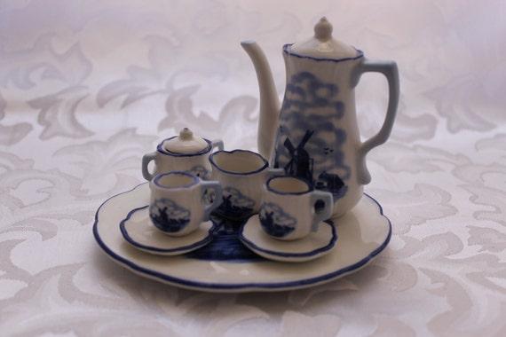 Delft Victorian Mini Tea Set 10 Pieces