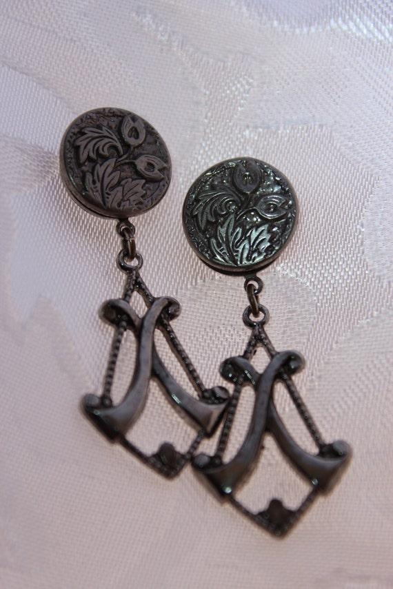VintageArt Deco Style Drop Post Earrings
