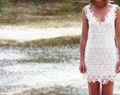 White lace mini dress 'Kisses'