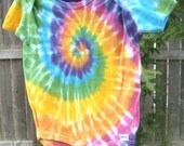 baby snap bottom t shirt tie dye rainbow spiral