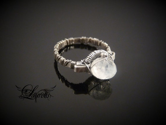 Moonstone medieval ring - sterling silver