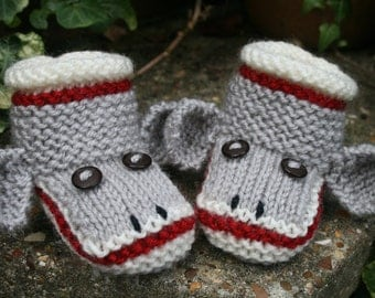 BABY KNITTING PATTERN in pdf - Sock Monkey Baby Booties