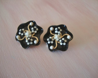 Small Black & White Swirled Earrings with Floral Motif Retro Fun Fashion Jewelry