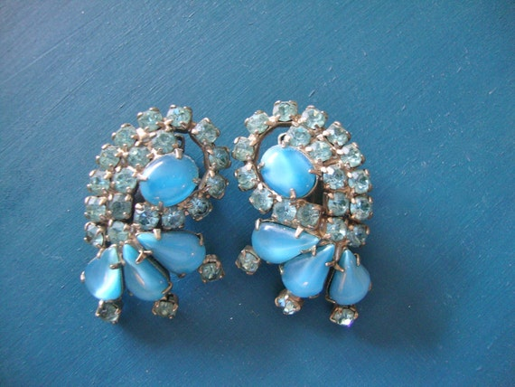 Art Deco Art Blue Glass Rhinestone Retro Brides Juliana Mad Men Holiday Party Jewelry