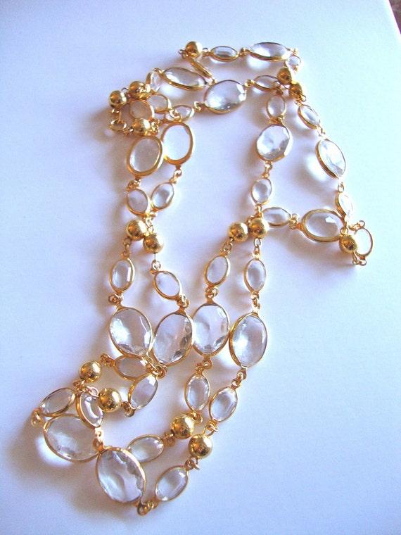Vintage Crystal & Gold Tone Metal Necklace