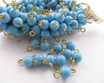 30 Vintage Plastic Blue Bead and Brass Connectors Con50