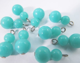 20 Vintage 18mm Turquoise Plastic Bead Charms Drops Pd192