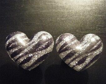 0 Gauge Black Plugs with Zebra Stripe Hearts