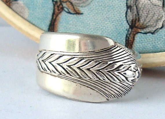 Spoon Ring, size 8, Allure 1939, Arrow, Feather, Wheat Design