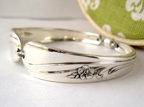Spoon Bracelet, Size Large, Meadow Flower 1940, Vintage Upcycled Silver